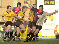 29/02/2004  -  Powergen  Cup - London Wasps v Pertemps Bees.Stuart Abbot, running with the ball    [Mandatory Credit, Peter Spurier/ Intersport Images].