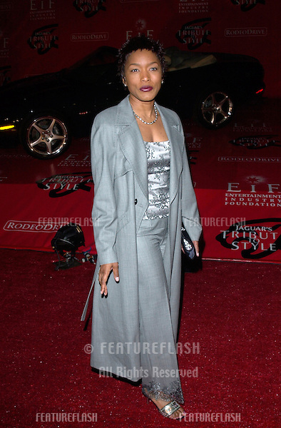 Actress ANGELA BASSETT at the Jaguar Tribute to Style Gala at Santa Monica Airport. .18MAR2001.   © Paul Smith/Featureflash