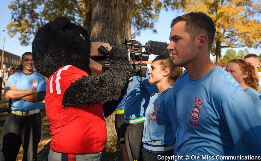 2016 Egg Bowl Run. Photo by Thomas Graning/Ole Miss Communications