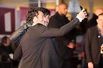 Amir et Enrique Iglesias en train de faire un selfie