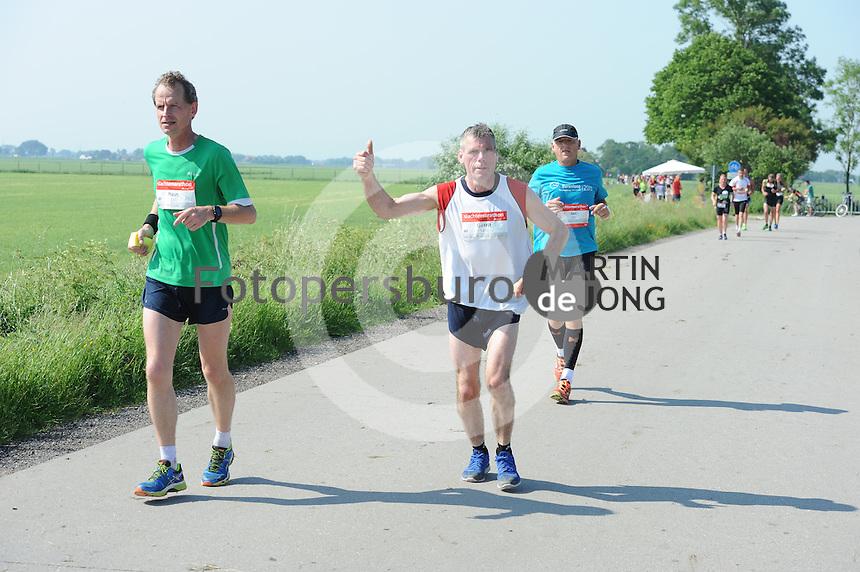 ATLETIEK: FRYSLÂN: 04-06-2016, Easterwierrum - Raerd, Slachtemarathon, ©foto Martin de Jong