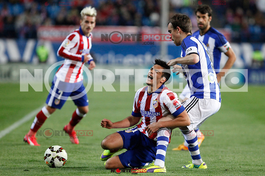 Atletico de Madrid´s Raul Jimenez (C) and Real Sociedad´s Mikel during La Liga match at Vicente Calderon stadium in Madrid, Spain. April 07, 2015. (ALTERPHOTOS/Victor Blanco) /NORTEphoto.com