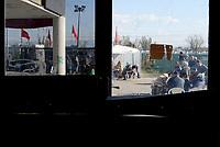 Roma,16 Novembre 2018<br /> Ex Hotel 4 Stelle<br /> Dopo l'incendio di sabato centinaia di famiglie senza acqua e luce e a rischio di sgombero.La struttura occupata dal 2012 in Via Prenestina 944, vivono circa 250 famiglie provenienti principalmente da Maghreb, Corno d'Africa, America Latina, Europa dell'Est e Africa sub-sahariana