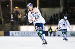 Stockholm 2014-11-26 Bandy Elitserien Hammarby IF - Bolln&auml;s GIF :  <br /> Bolln&auml;s Andreas Westh ser nedst&auml;md ut n&auml;r han tackar Bolln&auml;s supportrar efter matchen mellan Hammarby IF och Bolln&auml;s GIF <br /> (Foto: Kenta J&ouml;nsson) Nyckelord:  Elitserien Bandy Zinkensdamms IP Zinkensdamm Zinken Hammarby Bajen HIF HeIF Bolln&auml;s GIF BGIF Giffarna depp besviken besvikelse sorg ledsen deppig nedst&auml;md uppgiven sad disappointment disappointed dejected