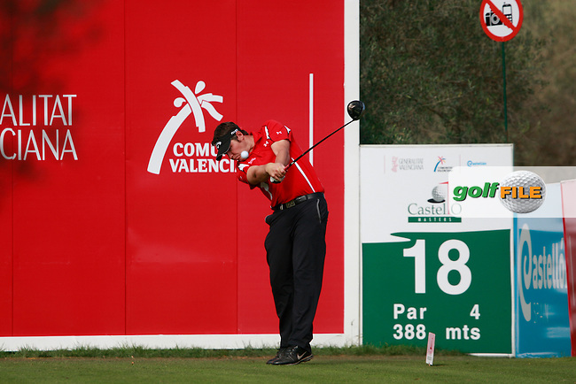 George Murray (SCO) tees off the 18th tee during Thursday's Round 1 of the Castello Masters at the Club de Campo del Mediterraneo, Castellon, Spain, 20th October 2011 (Photo Eoin Clarke/www.golffile.ie)