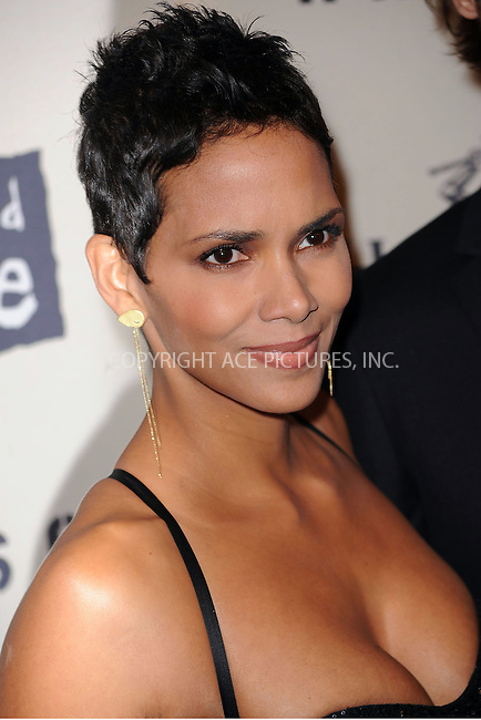 WWW.ACEPIXS.COM . . . . . ....October 15 2009, New York City....Actress Halle Berry arriving at th  'Keep A Child Alive's 6th Annual Black Ball'  hosted by Alicia Keys and Padma Lakshmi at Hammerstein Ballroom on October 15, 2009 in New York City.....Please byline: KRISTIN CALLAHAN - ACEPIXS.COM.. . . . . . ..Ace Pictures, Inc:  ..tel: (212) 243 8787 or (646) 769 0430..e-mail: info@acepixs.com..web: http://www.acepixs.com