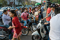 February 14, 2014 - Phnom Penh. Young people wait on their motorbikes to enter a Cinema. © Thomas Cristofoletti / Ruom