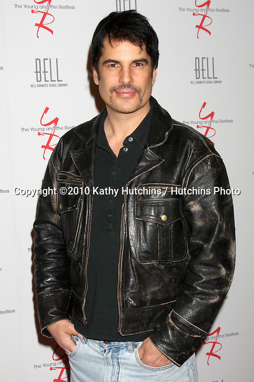 Thom Bierdz .arrivng at The Young & The Restless 37th Anniversary Dinner.Via Allorro.Beverly Hills, CA.March 9, 2010.©2010 Kathy Hutchins / Hutchins Photo....