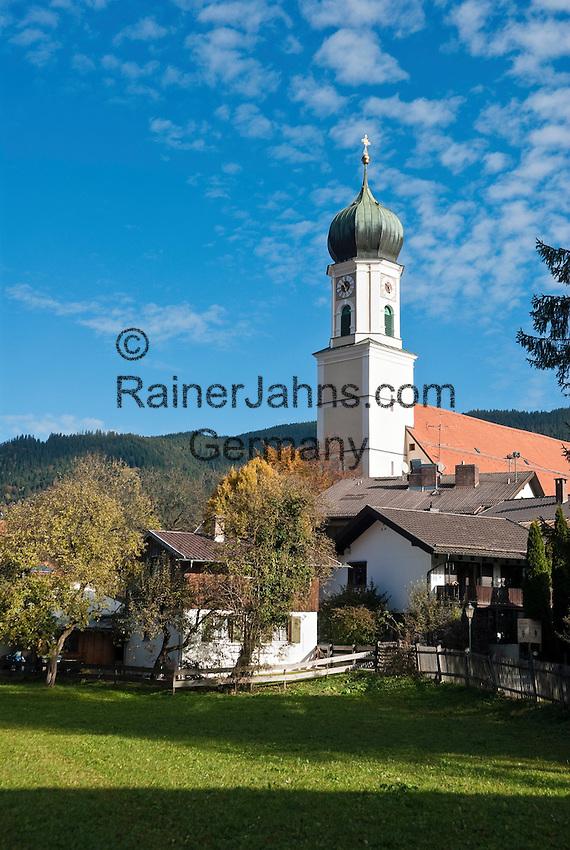 Germany, Upper Bavaria, Oberammergau with parish church St. Peter und Paul   Deutschland, Bayern, Oberbayern, Oberammergau mit Pfarrkirche St. Peter und Paul