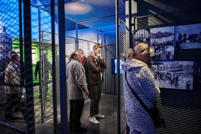 Im Auswanderermuseum wird Zeitgeschichte digital erzählt. Im Juni 2015 eröffnete in der Hafenstadt das erste Auswanderermuseum in Polen.