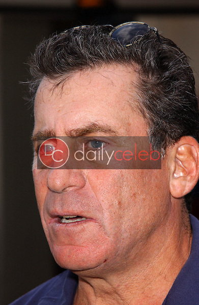 Paul Michael Glaser<br /> at the Elizabeth Glaser Pediatric AIDS Foundation Golf Classic, Riviera Country Club, Los Angeles, CA 10-17-05<br /> David Edwards/DailyCeleb.Com 818-249-4998