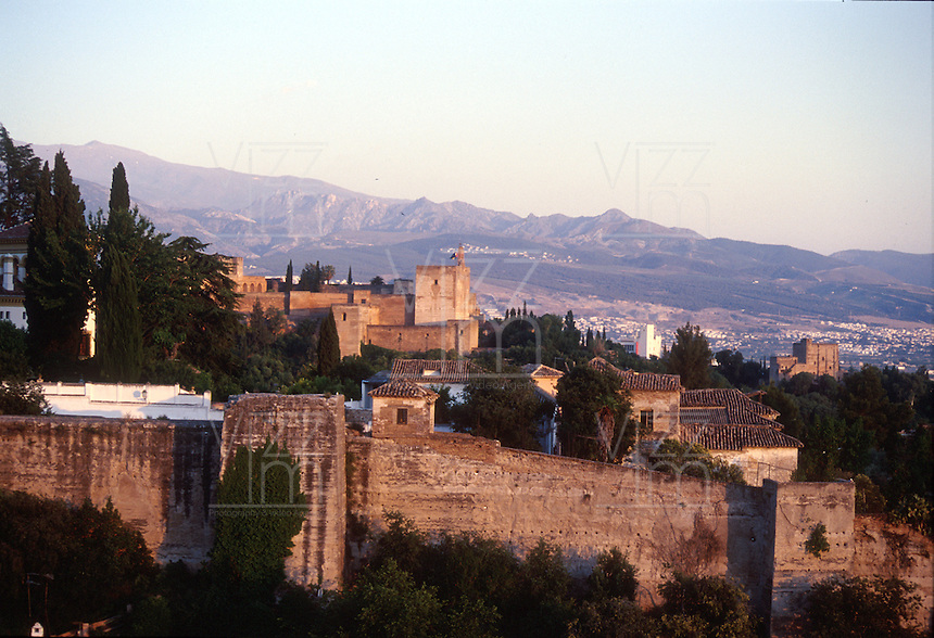 GRANADA- ESPAÑA- 24-06-2005. Panorámica Granada, España. Panoramic Granada, Spain. (Photo: VizzorImage)..............
