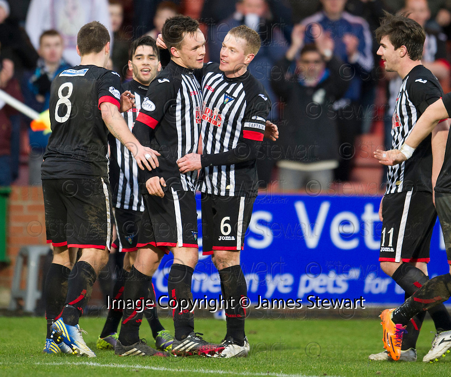 Pars' Lawrence Shankland (centre) celebrates with Stephen Husband (8) Faissal El Bakhtaoui (2nd left), Andrew Geggan (6) and Ross Forbes (11) after he scores their third goal.