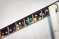 Les ouvriers du centre nucléaire de production d'électricité de Fessenheim, Haut-Rhin attendent l'arrivée de Nicolas Sarkozy, président de la République . Jeudi 9 février 2012 - 2012©Jean-Claude Coutausse / french-politics pour Le Monde