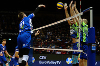 GRONINGEN - Volleybal, Lycurgus - Fino Kaposvar, Challenge Cup, seizoen 2019-2020, 19-12-2019,  smash Lycurgus speler Bennie Tuinstra