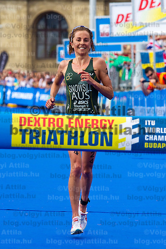 Emma Snowsill (AUS) wins the ITU women's elite triathlon world championships series final in Budapest, Hungary, Sunday, 12. September 2010. ATTILA VOLGYI