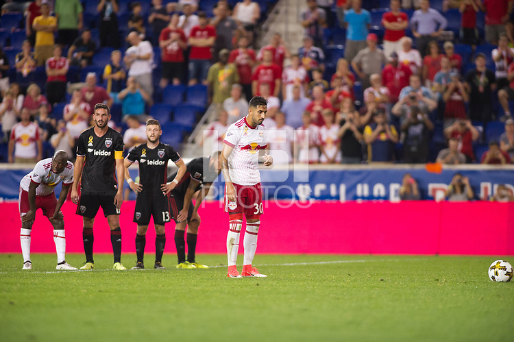 HARRISON, New Jersey - Wednesday, September 27, 2017: The New York Red Bulls take on DC United at home at Red Bull Arena during the 2017 MLS regular season.