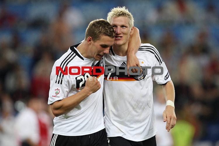 UEFA Euro 2008 Quarter-Finals Match 25 Basel - St. Jakob-Park. Portugal ( POR ) - Deutschland ( GER ) 2:3 (1:2). <br /> Lukas Podolski ( Germany / Angreifer / Forward / Bayern Muenchen #20 ) und Bastian Schweinsteiger ( Germany / Mittelfeldspieler / Midfielder / Bayern Muenchen #07 ) feiern nach Spielende.<br /> Foto &copy; nph (  nordphoto  )