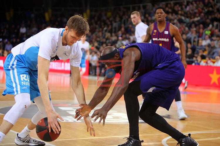 League ACB-ENDESA 2018/2019. Game: 14.<br /> FC Barcelona Lassa vs Monbus Obradoiro: 79-73.<br /> Ben Simons vs Chris Singleton.
