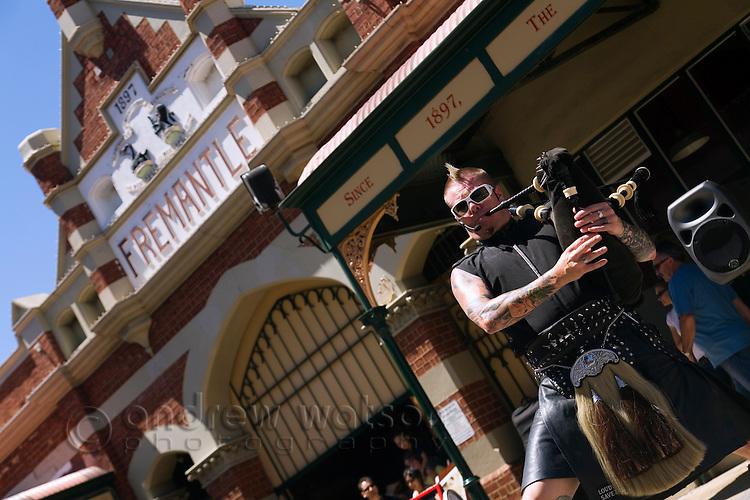 Street performer in front of the historic Fremantle Markets.  Fremantle, Western Australia, AUSTRALIA.