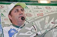SÃO PAULO, 22 DE MARÇO 2013 - TREINO PALMEIRAS - COLETIVA GILSON KLEINA  - O técnico Gilson Kleina durante coletiva à imprensa na Academia de Futebol, na tard desta sexta-feira, (22), na zona oeste da capital. FOTO: LOLA OLIVEIRA/BRAZIL PHOTO PRESS