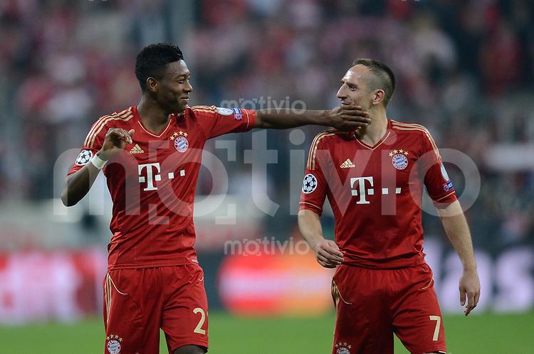 FUSSBALL  CHAMPIONS LEAGUE  HALBFINALE  HINSPIEL  2012/2013      FC Bayern Muenchen - FC Barcelona      23.04.2013 David Alaba (li) und Franck Ribery (re, beide FC Bayern Muenchen) haben nach dem Abpfiff Spass.