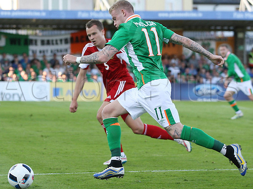 31.05.2016, Turners Cross Stadium, Cork, Ireland. International football friendly between republic of ireland and Belarus.  James McClean of Republic of Ireland gets past Dzianis Paliakov of Belarus