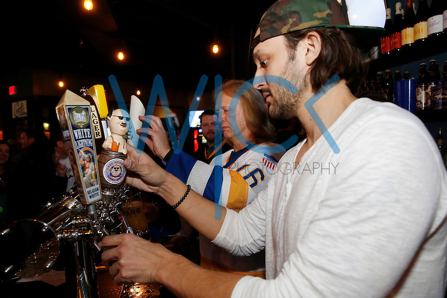Pittsburgh Penguins alumni Francois Leroux and J. S. Aubin, along with Dave Hanson and Christian Hanson, guest bartend at The Yard Shadyside on Saturday, February 4, 2017 in Pittsburgh, Pennsylvania. (Photo by Jared Wickerham/Wick Photography)