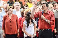 ATENCAO EDITOR IMAGEM EMBARGADA PARA VEICULOS INTERNACIONAIS - SAO PAULO, SP, 20 OUTUBRO 2012 - ELEICOES 2012 - FERNANDO HADDAD -  Comicio do candidato a prefeitura pelo Partido dos Trabalhadores Fernando Haddad (D) que conta tambem com a presenca presidente da Republica Dilma Rousseff e o ex presidente Luiz Inacio Lula da Silva no Ginasio do Caninde na regiao norte da capital paulista, neste sábado, 20. (FOTO: ALEXANDRE MOREIRA / BRAZIL PHOTO PRESS).