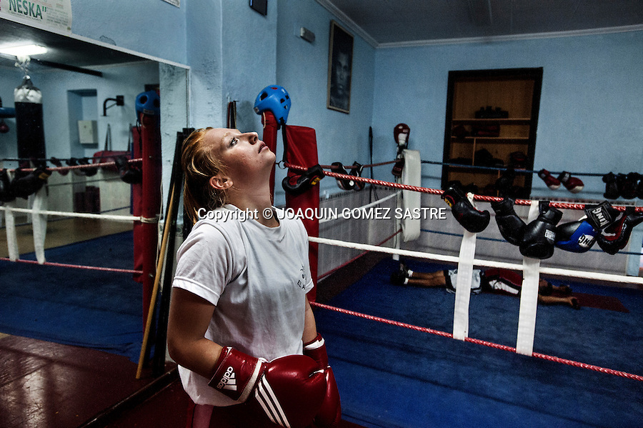 The amateur boxer Maria at the end of their training sessions