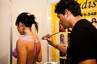 SAO PAULO, SP, 04 ABRIL 2013 - EROTIKA FAIR-Movimentação de visitantes durante a 20ª edição da Feira Internacional de Produtos e Serviços para o Mercado Adulto, a Erótica Fair, realizada no Palácio das Convenções do Anhembi, em São Paulo (SP), nesta quinta-feira (04). A feira segue até o dia 07 de Abril. (FOTO: POLINE LYS / BRAZIL PHOTO PRESS)
