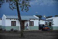 MOZAMBIQUE, Moatize, Cateme, this resettlement was constructed by brazil coal company VALE as compensation for relocated people from Chipanga, where VALE is extending its coal mining operations / MOSAMBIK, Moatize, Siedlung Cateme, fuer die Erweiterung der Kohlemine des brasilianischen Unternehmens VALE wurde die Ortschaft Chipanga abgerissen, die Bewohner wurden 40 km von Moatize enfernt nach Cateme umgesiedelt