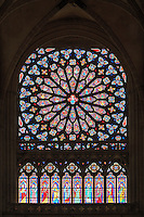 France, Orne (61), Sées, la cathédrale Notre-Dame, vitrail en rosace du transept sud // France, Orne, Sees, Notre Dame Cathedral, Rose Window of the South Transept