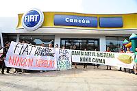 Cancun 8 Dicembre 2010 .Sede centrale Fiat. Rigas, rete per la giustizia ambientale e sociale denuncia il modello Marchionne che si vuole esportare in Messico e lancia la mobilitazione uniti contro la crisi il 14 a Roma