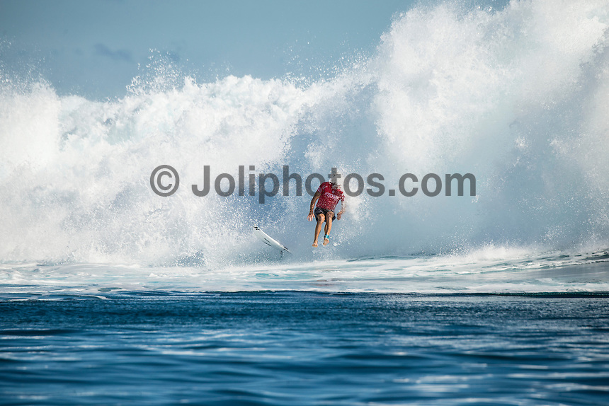 Namotu Island Resort, Nadi, Fiji (Wednesday, June 15 2016):  a headless Adrian Buchan (AUS) - The Fiji Pro, stop No. 5 of 11 on the 2016 WSL Championship Tour, was recommenced today at Cloudbreak with a new SSW swell in the 6' plus range. The contest had endured a long spell of layaways due to small conditions but it roared back to life with the new swell which is expected to continue for the rest of the waiting period.<br /> The hat of the day was between Taj Burrow (AUS) who has retired for the pro tour and John John Florence (HAW) who is being tipped as a World Champion this year.<br /> Both surfers were counting two 9 pt plus rides in their scores but it was Florence who scraped through finishing Burrows 18 year career on a high.<br /> Photo: joliphotos.com