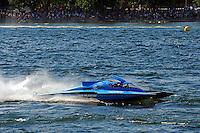 "Final heat: Winner Brandon Kennedy, GP-25 ""Miss KOMA Unwind"", celebrates victory. (Grand Prix Hydroplane(s)"