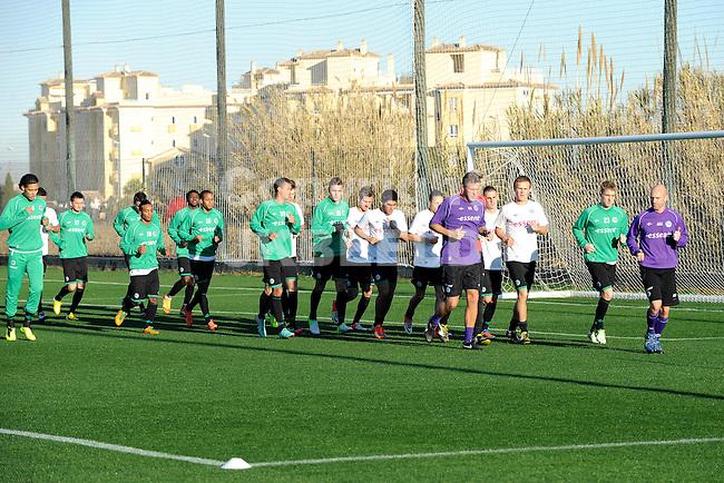 OLIVA - Voetbal, trainingskamp FC Groningen, seizoen 2012-2013, 08-01-2013. warming up