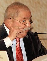 """RIO DE JANEIRO, RJ, 03 MAIO 2012 - ENCONTRO BRASIL X AFRICA - O ex-presidente Lula durante a abertura do Seminário """"Investindo na África: oportunidades, desafios e instrumentos para a cooperação econômica"""". na sede do BNDES no Rio de Janeiro - FOTO: GUTO MAIA - BRAZIL PHOTO PRESS."""