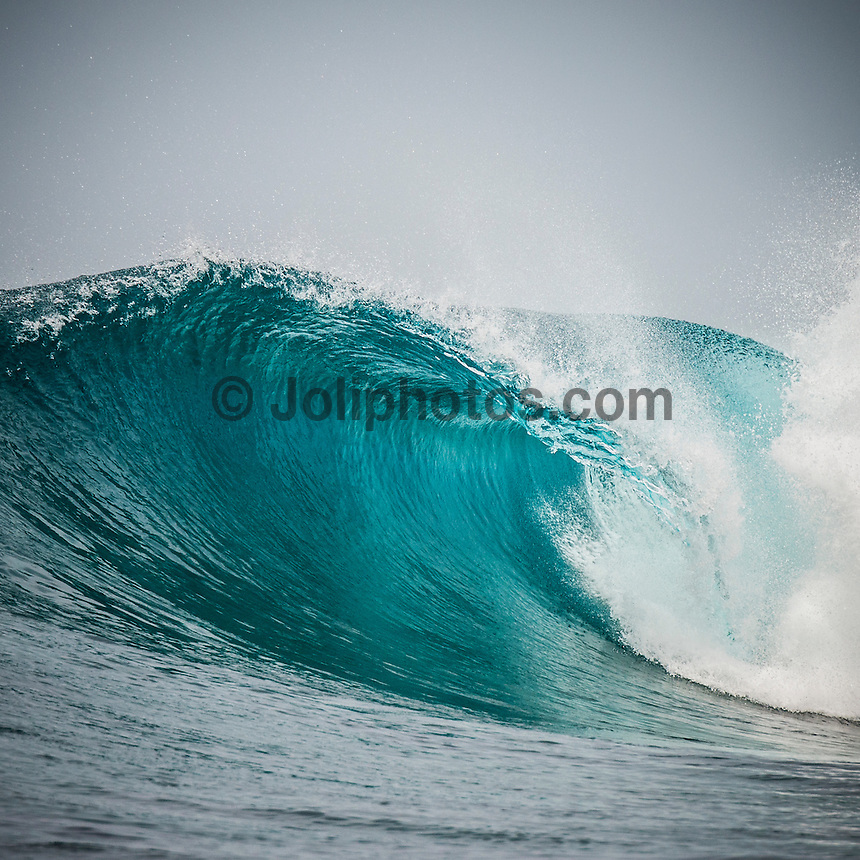 Four Seasons, Maldives (Monday, July 20, 2015) The swell was out of the south east today with waves in the 3' -4' range and very clean conditions. There was a surf session at Sultans  this morning. The session started with very light West winds that stayed that way for the whole session. Photo: joliphotos.com