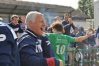 EINDRONDE 4e PROVINCIALE ; Bellegem - Dentergem :<br /> immense vreugde bij trainer Geoffrey Vandendorpe na het behalen van de promotie<br /> <br /> Foto VDB / Bart Vandenbroucke