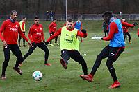 Danny da Costa (Eintracht Frankfurt) gegen Ante Rebic (Eintracht Frankfurt), Sebastien Haller (Eintracht Frankfurt) sieht zu - 05.12.2017: Eintracht Frankfurt Training, Commerzbank Arena