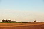 Europa, DEU, Deutschland, Nordrhein Westfalen, NRW, Rheinland, Niederrhein, Sonsbeck, Sonsbecker Schweiz, Agrarlandschaft, Feld, Acker, Himmel, Kategorien und Themen, Natur, Umwelt, Landschaft, Landschaftsfotos, Landschaftsfotografie, Landschaftsfoto, Landwirtschaft, Agrarlandschaft, Agrar, Agrarwirtschaft, Anbau, Feld, Acker, Nutzpflanzen, Nutzpflanze....[Fuer die Nutzung gelten die jeweils gueltigen Allgemeinen Liefer-und Geschaeftsbedingungen. Nutzung nur gegen Verwendungsmeldung und Nachweis. Download der AGB unter http://www.image-box.com oder werden auf Anfrage zugesendet. Freigabe ist vorher erforderlich. Jede Nutzung des Fotos ist honorarpflichtig gemaess derzeit gueltiger MFM Liste - Kontakt, Uwe Schmid-Fotografie, Duisburg, Tel. (+49).2065.677997, ..archiv@image-box.com, www.image-box.com]
