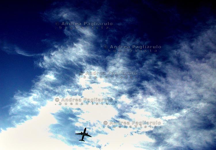Italia, aereoporto di Milano Linate, 2001..Italy, Milano Linate airport, 2001..© Andrea Pagliarulo