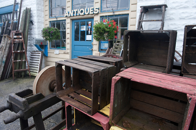 UNITED STATES -Sept 27: D&L Treasures in New Oxford, Pennsylvania. They Specialize in antiques, antique furniture, horse-drawn carriages and sleighs and all the tack that goes along with them. (Photo By Douglas Graham/Roll Call )