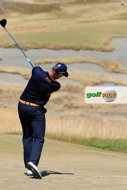 Henrik STENSON (SWE) tees off the 7th tee during Sunday's Final Round of the 2015 U.S. Open 115th National Championship held at Chambers Bay, Seattle, Washington, USA. 6/21/2015.<br /> Picture: Golffile | Eoin Clarke<br /> <br /> <br /> <br /> <br /> All photo usage must carry mandatory copyright credit (&copy; Golffile | Eoin Clarke)