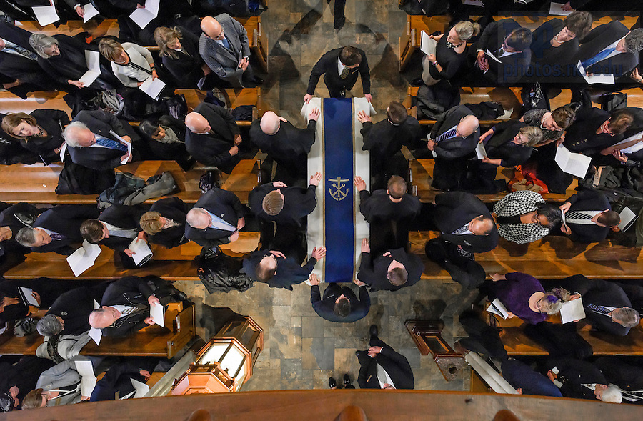 Mar. 4, 2015; The casket of President Emeritus Rev. Theodore M. Hesburgh, C.S.C. is moved toward the front of the Basilica of the Sacred Heart at the beginning of the funeral Mass. (Photo by Barbara Johnston/University of Notre Dame)
