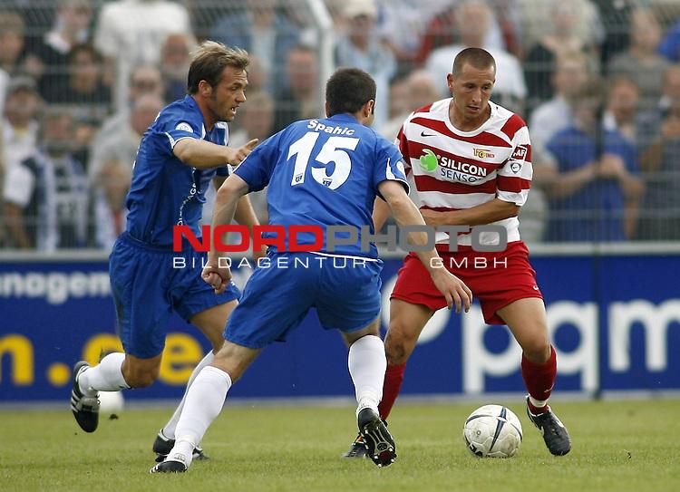 RLN 2007/2008 4. Spieltag Hinrunde<br /> BSV Kickers Emden - 1. FC Union Berlin<br /> Markus Zschiesche (Union#20) - Jasmin Spahic (Emden#15)<br /> <br /> Foto &copy; nph (  nordphoto  )<br /> <br /> <br /> <br />  *** Local Caption ***