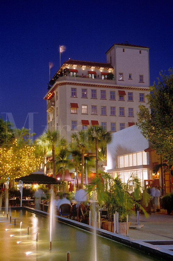 Van Dyke Building and Lincoln Road Mall at dusk.
