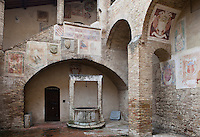 """Hidden Cistern in San Gimignano""<br />