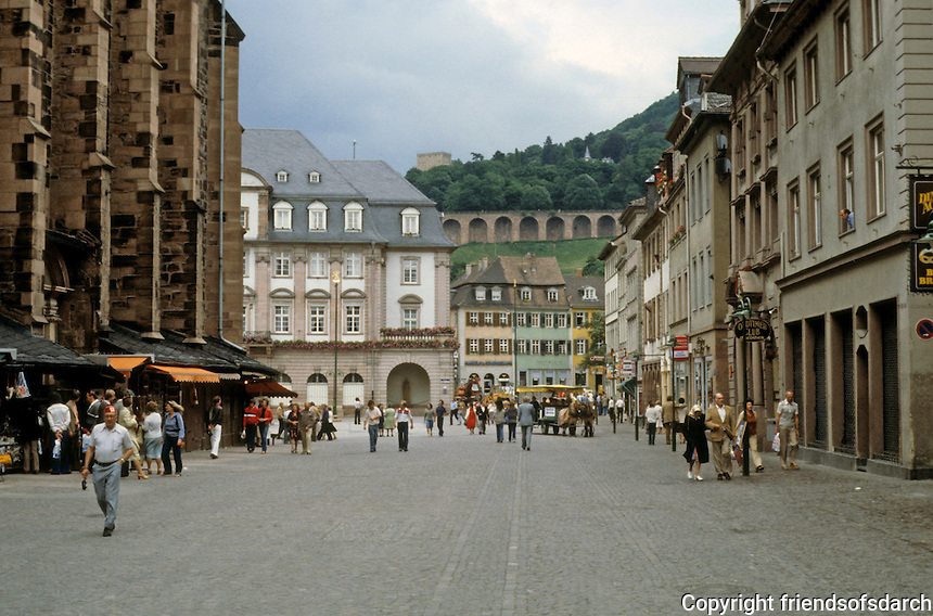 Heidelberg: Marktplatz. Church of Holy Spirit at left.  Photo '87.